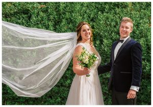 brides-veil-flowing